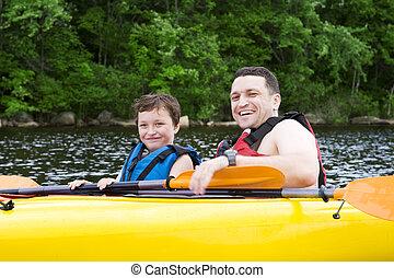 desfrutando, kayaking, pai, filho