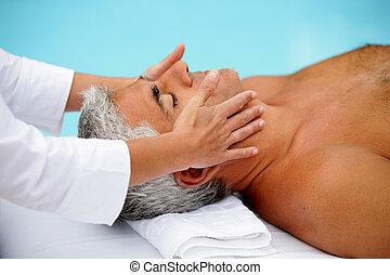 desfrutando, massagem, homem