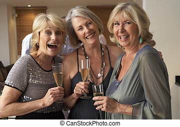 desfrutando, vidro, partido jantar, champanhe, amigos