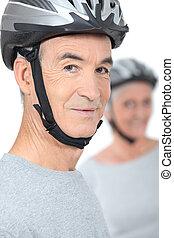 desgastar, capacetes, seu, antigas, bicicleta, sócio, homem