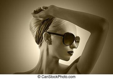 desgastar, estilo, mulher, óculos de sol, loura, jovem, contra, cabelo, lábios, moda, posar, fundo, retrato, pretas, branca