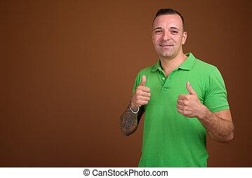 desgastar, marrom, camisa, contra, experiência verde, homem