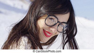 desgastar, retrato, mulher, morena, óculos