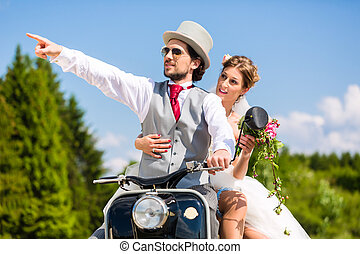 desgastar, vestido, dirigindo, scooter, motor, paleto, par, nupcial