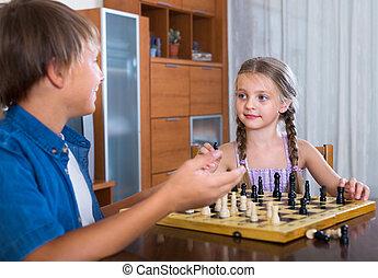 deska, być w domu, dzieci, szachy