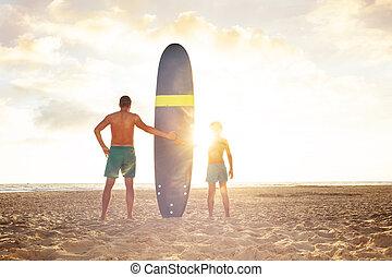 deska, ojciec, zachód słońca, morze, stać, fale przybrzeżne, syn