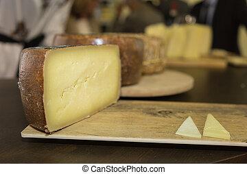 deska, ostatní, dřevěný, sýr, sheep's, rozvlněný, krajíc