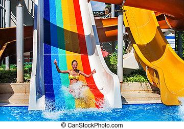 deslizamentos, aquapark., corrediça água, criança, piscina, natação