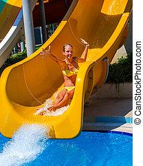 deslizamentos, aquapark., corrediça água, crianças, piscina, natação