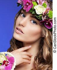 deslumbrante, mulher, com, buquet, de, flores coloridas