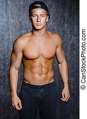 desnudo, gorra, torso, muscular, hombre