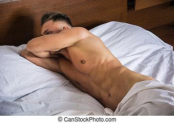 desnudo, sexy, joven, cama, hombre