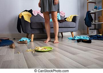 desordenado, mujer, habitación