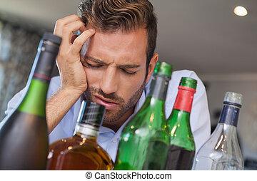 desplomado, borracho, hombre de negocios, ma, al lado de