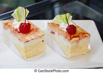 Dessert - Cheesecake with Berries Sauce