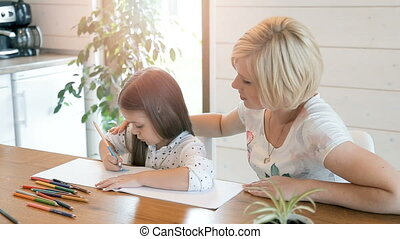 dessiner, mère, aides, enfant