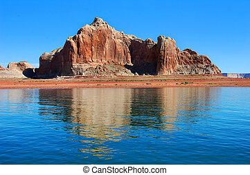 Destination Scenic Lake Powell