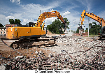 Destroying reinforced concrete - Hydraulic hammer and...
