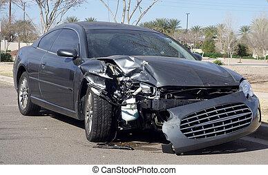 destruição carro, após, acidente estrada