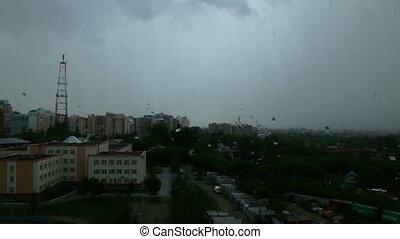 deszcz, miasto, rano