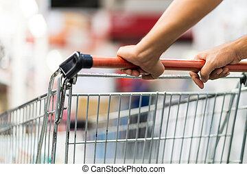 detail, o, voják, podnikavý, shopping vozík, do, jeden, supermarket