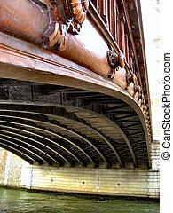 detail of parisian bridge