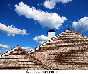 roof of wooden shingles