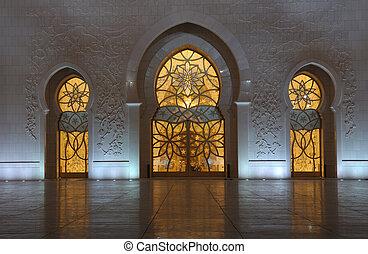 Detail of the Sheikh Zayed Mosque at night. Abu Dhabi, United Arab Emirates