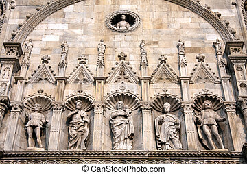 Detailed view of part of the cathedral or duomo in Como Italy