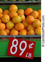 detailhandel, beeld, van, vers fruit, (oranges), op, een, marktkraam