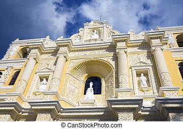 Details of La Merced Church in Antigua