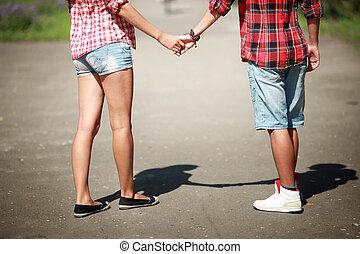dettagliato, vista, di, uno, giovane coppia, tenere mani