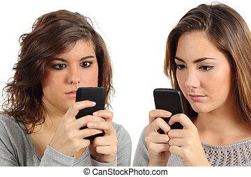 deux, ados, téléphone, intoxiqué, technologie, intelligent