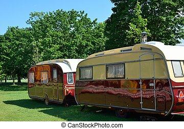 deux, caravanes, dans ligne