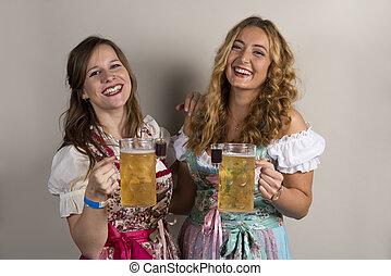 deux, heureux, dames, porter, dirndls, à, bière, et, coups