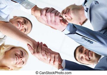 deux, poignées main