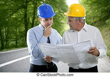 deux, projet architecte, hardhat, compétence, ingénieur, route, forêt