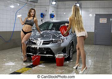 deux, sexy, femmes, lave, voiture