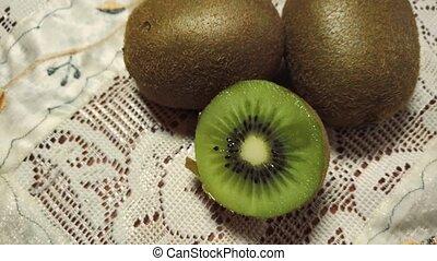 deux, tissu, coupé, fruits, entier, kiwi, dentelle, cru