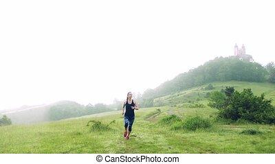 devant, brumeux, nature., femme, dehors, pré, vue, jeune, ...