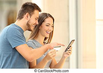 devant, couple, achat, ligne, storefront