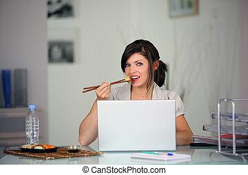 devant, femme mange, informatique