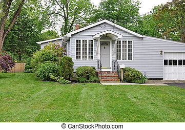 devant, maison, suburbain, aménagé, yard