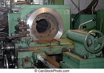 device for processing and cutting of metal parts. Heavy...