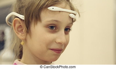 Device to control thoughts on the girl's head