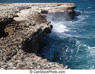 Devils Bridge with tourist Antigua - Devils Bridge with...