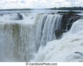 Devils throat in Iguazu Falls