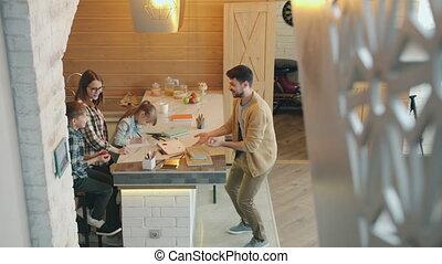 devoirs, épouse, avoir, papa, fils, pomme, jonglerie, maison, fille, amusement, quoique, étudier
