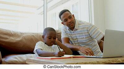 devoirs, noir, maison, sien, devant, confortable, vue, père, fils, 4k, portion, jeune