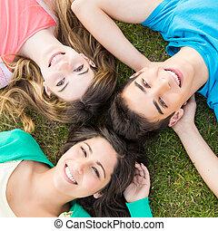 diákok, izbogis, csoport, kert, fiatal